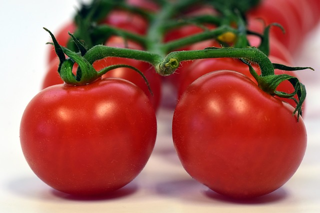 Tomato Fruit Benefits For Beauty, Health and Diet